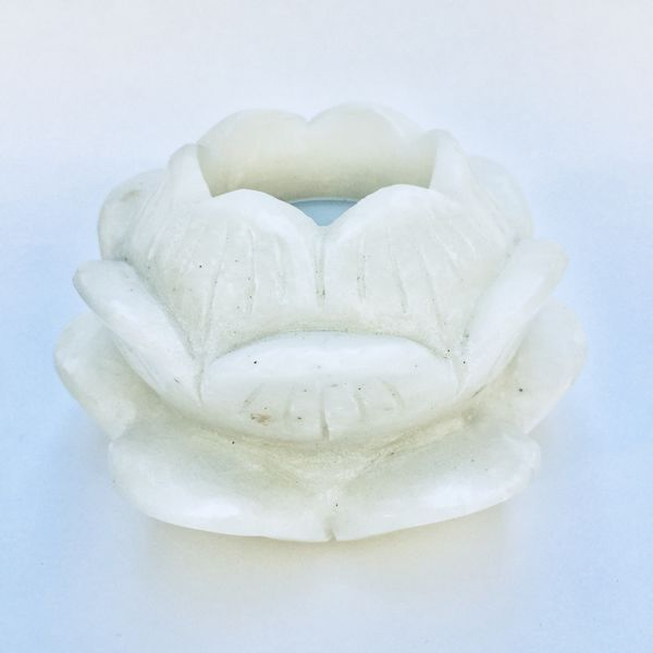 Lotus tea light